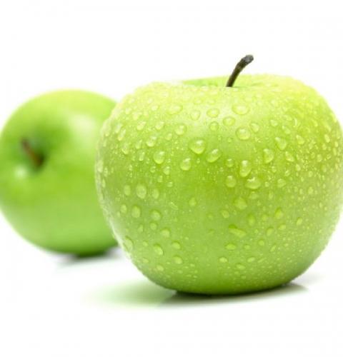 کاشت نهال سیب سبز